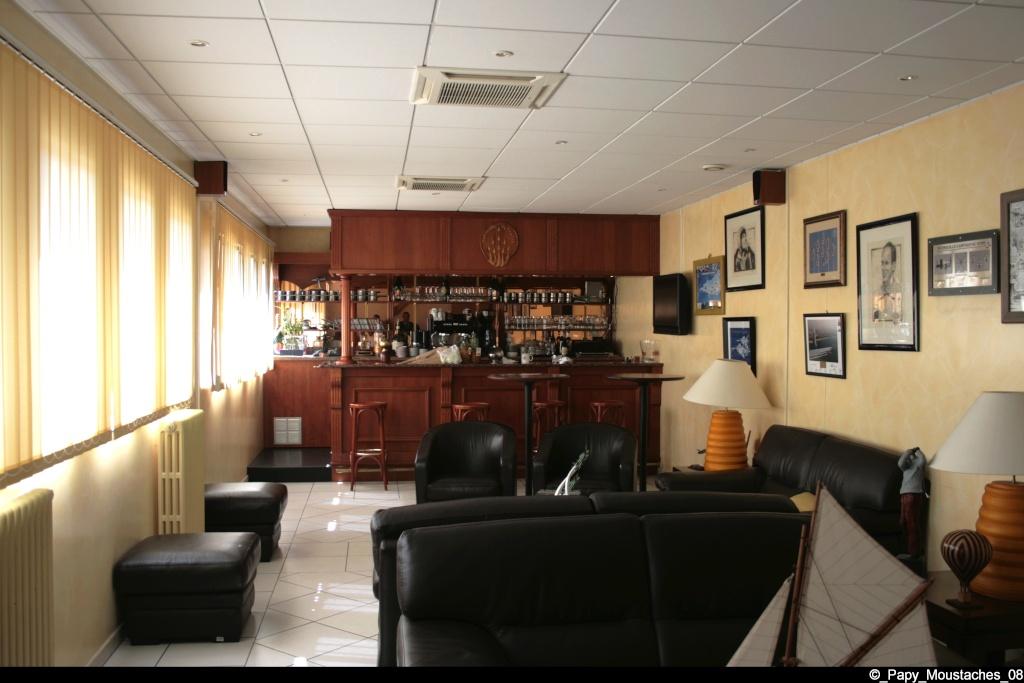 Visite base de salon de provence page 3 for Geant salon de provence