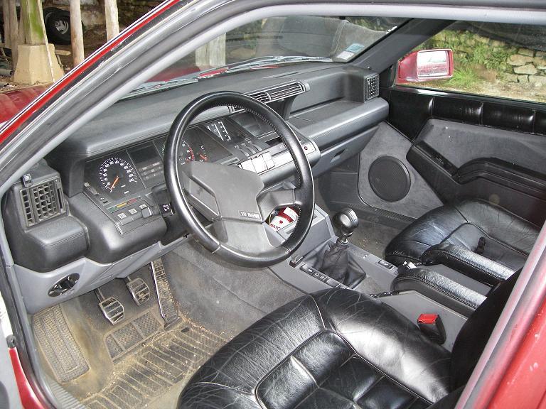 nouvelle r25 v6 turbo 182ch rouge renault forum marques. Black Bedroom Furniture Sets. Home Design Ideas