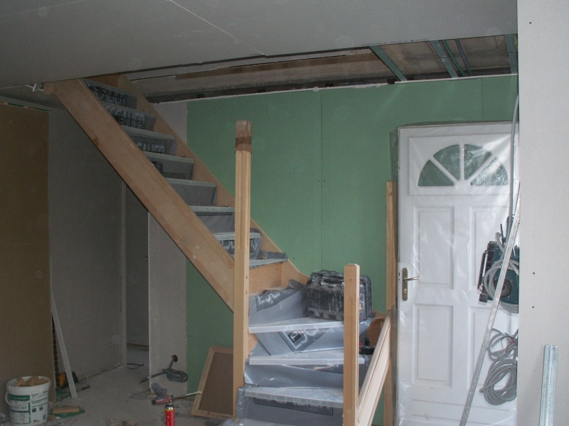 escalier bois peint en blanc. Black Bedroom Furniture Sets. Home Design Ideas