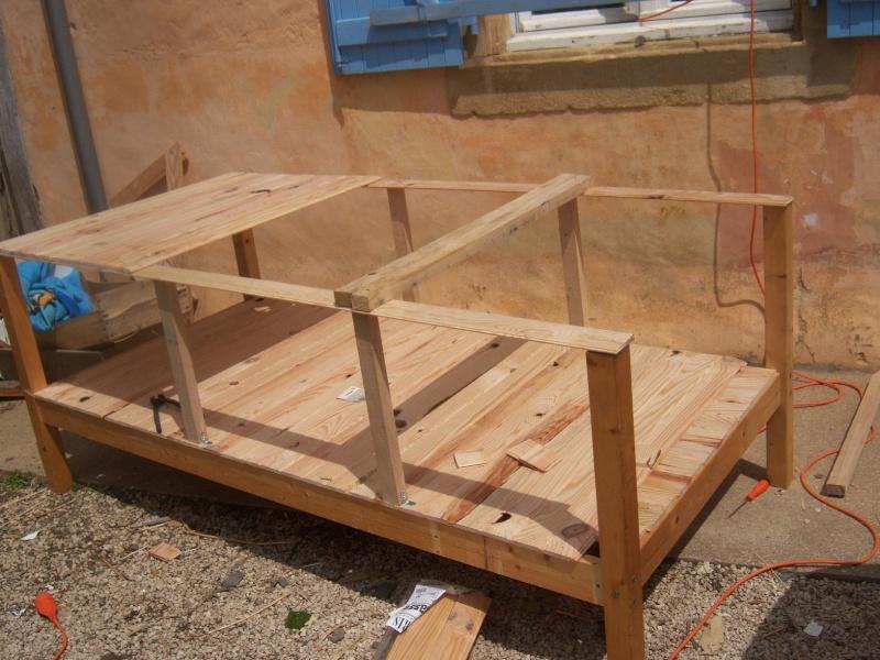 Mon nouveau poulailler en construction for Cabane a lapin exterieur