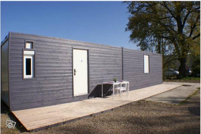 vivre dans un container page 2. Black Bedroom Furniture Sets. Home Design Ideas