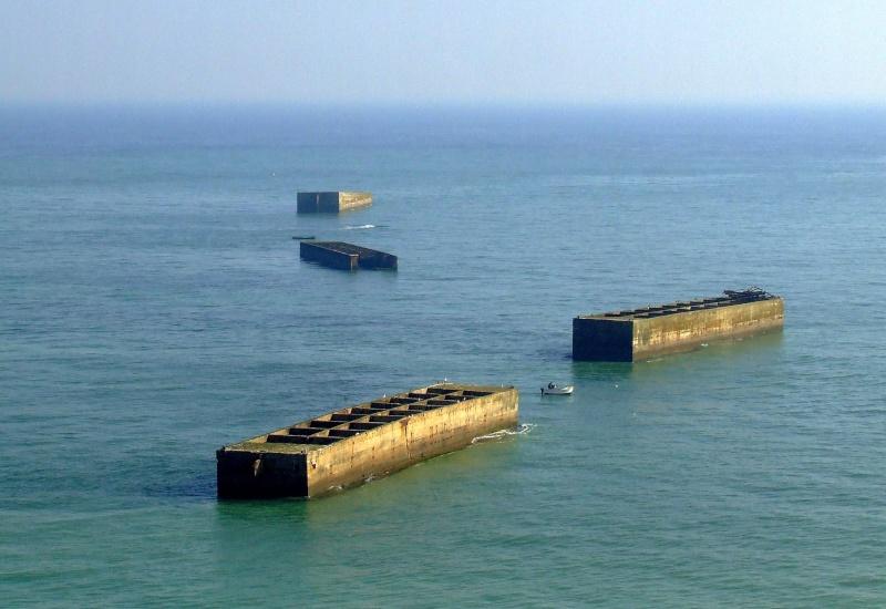 Le port artificiel d 39 arromanches bunkers - Port artificiel d arromanches construction ...