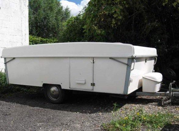 650 caravane pliante rigide esterel 1977. Black Bedroom Furniture Sets. Home Design Ideas