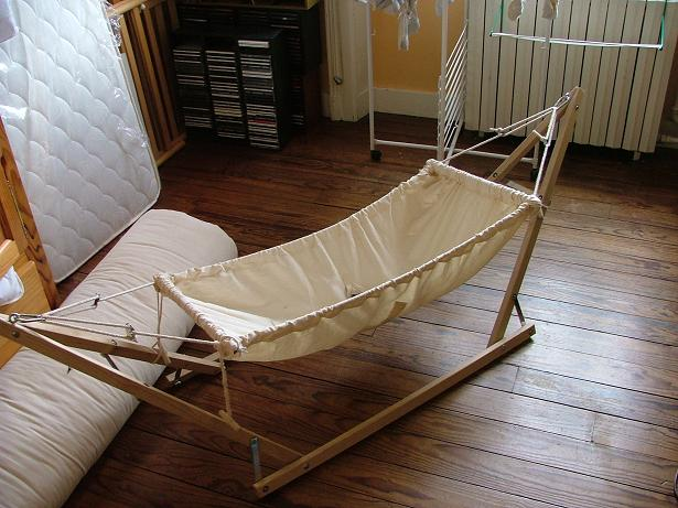 lit bebe hamac. Black Bedroom Furniture Sets. Home Design Ideas