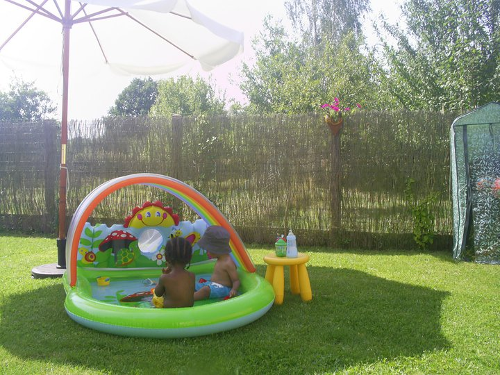 Piscine gonflable assistante maternelle agr e faire for Grosse piscine gonflable