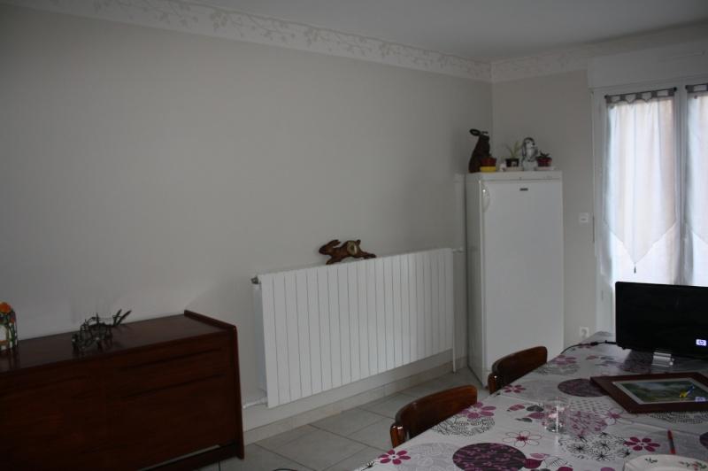 tablette au dessus d un radiateur awesome greenhurst de radiateur with tablette au dessus d un. Black Bedroom Furniture Sets. Home Design Ideas