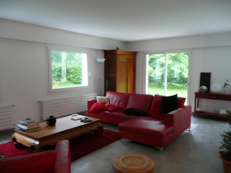 qu 39 est ce qui va avec le rouge. Black Bedroom Furniture Sets. Home Design Ideas