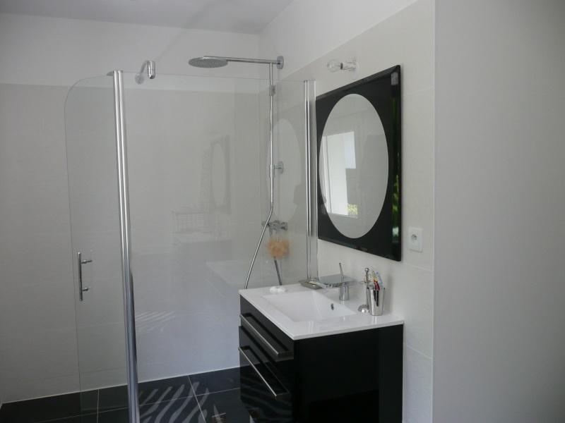 quelle fa ence dans sdb avec carrelage noir page 2. Black Bedroom Furniture Sets. Home Design Ideas
