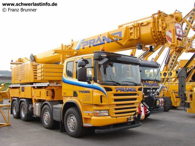 grue sur porteur liebherr camions rc fr. Black Bedroom Furniture Sets. Home Design Ideas