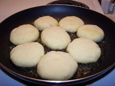 دوائر البطاطا المحشية بالجبن 16617717.jpg