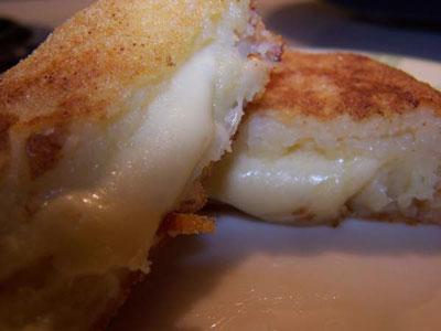 دوائر البطاطا المحشية بالجبن