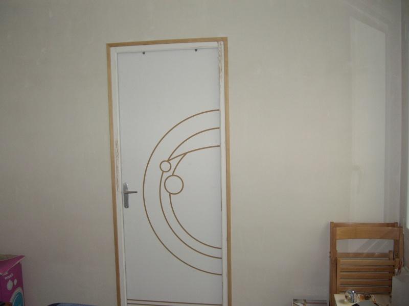 Peindre encadrement de porte photos de conception de for Peinture porte et encadrement