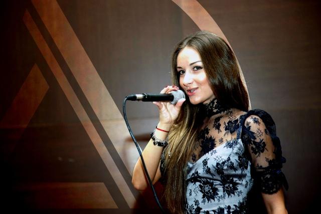 Out Now: Cristiana - Două Pagini