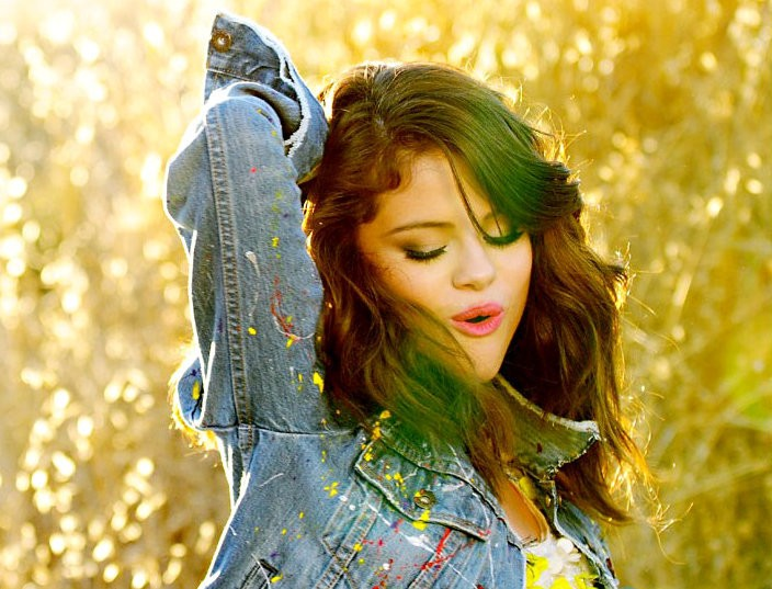 Selena Gomez - Hit the Lights (videoclip)
