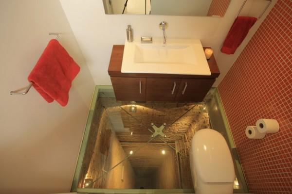 les wc de l 39 extr me. Black Bedroom Furniture Sets. Home Design Ideas
