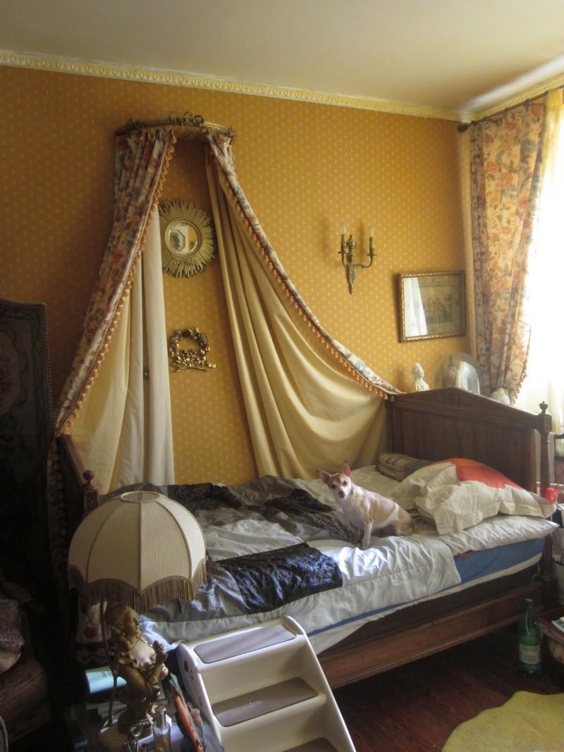 ciel de lit bois ancien. Black Bedroom Furniture Sets. Home Design Ideas