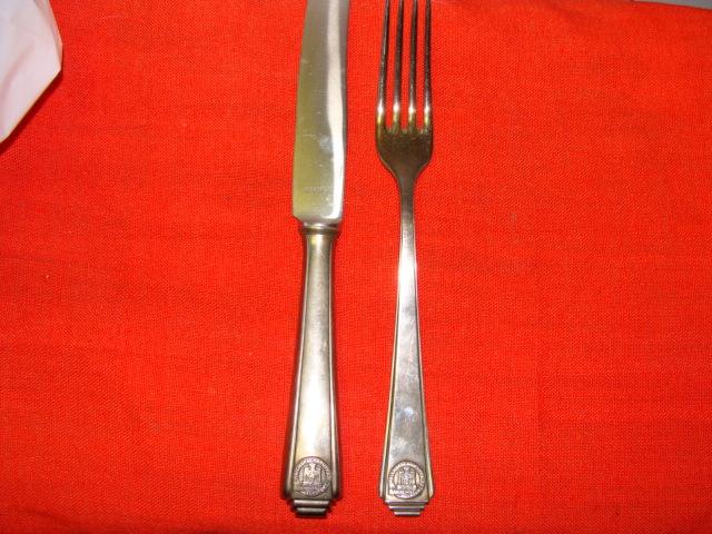 fourchette couteau r d k l. Black Bedroom Furniture Sets. Home Design Ideas