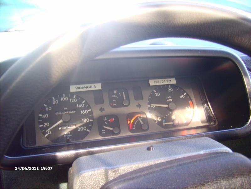 Espace ii 2l1 td 88cv grand ecran de 1995 page 4 for Renault espace 4 interieur