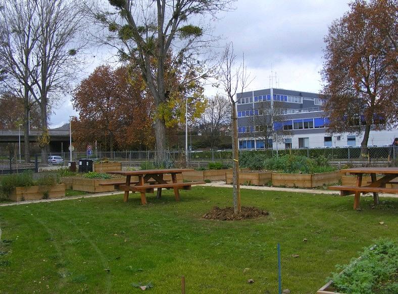 Jardins partag s en carr s de fontaine d 39 ouche page 2 for Espace famille fontaine les dijon