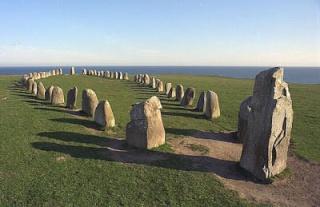 Archéologie - cercle de pierres - octobre 2012 - ale stennar - dolmen - néolithique - tombe - sépulture - stonehenge - Bengt Söderberg - suède - archéoastronomie - découverte - forum