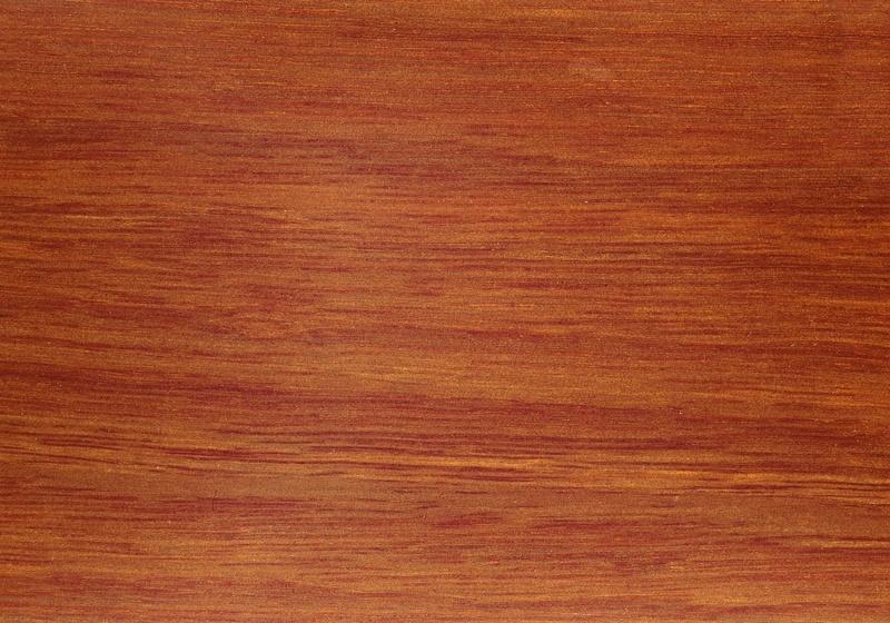 planche bois rouge c ble lectrique cuisini re vitroc ramique. Black Bedroom Furniture Sets. Home Design Ideas