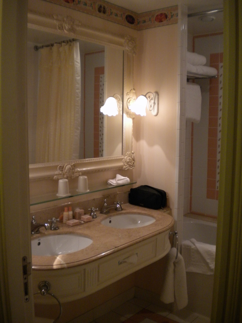 Salle De Bain Hotel Cheyenne Disney ~ h tel disney disneyland hotel page 4